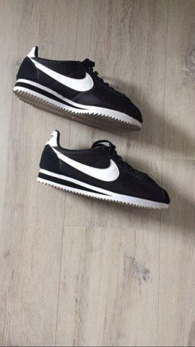 Nike Cortez schwarz-weiß