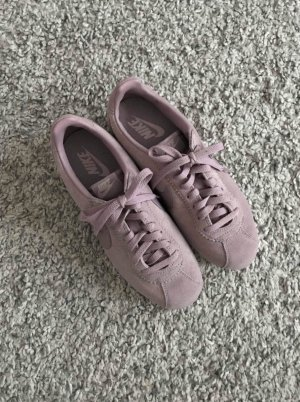 Nike Lace-Up Sneaker mauve