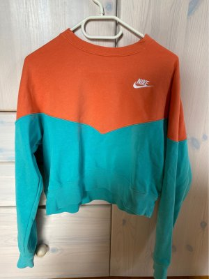 Nike Croped Sweatshirt