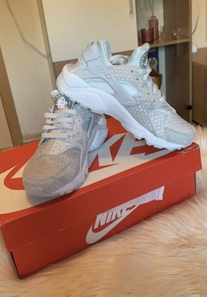 Nike Damen Air Huarache Premium
