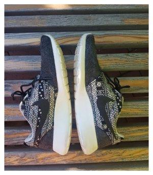 Nike Damen Schuhe Größe 40