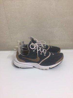 Nike Damen sneaker Presto Fly SE