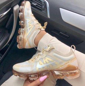 Nike Damenschuhe Gold Neu