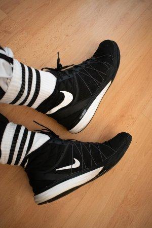 Nike Dual Fusion HIIT Fitnessschuhe Training Sneaker für Fitnesskurse | Gr. 42 7.5 | schwarz weiß | High-Top