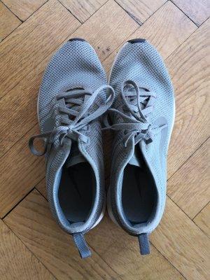 Nike Lace-Up Sneaker sage green-khaki