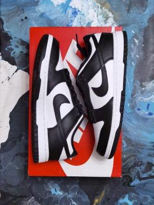 Nike Dunk low Black White retro