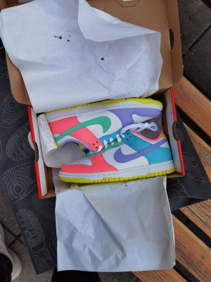 Nike Dunk low Easter womans