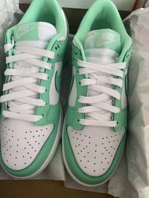Nike Dunk Low Glow Green 38,5