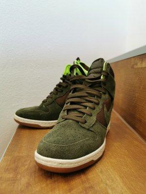 Nike Sneaker con zeppa verde scuro-cachi