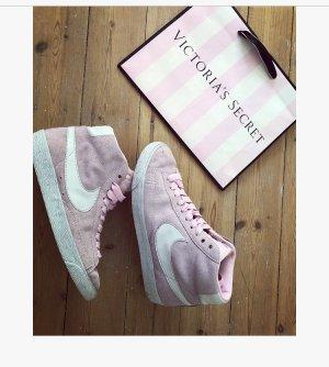 Nike Dunk Sky High Sneaker rosa Pastell Schuhe