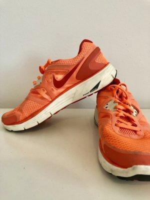 Nike DYNAMIC Sneaker
