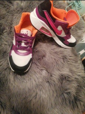 Nike first st