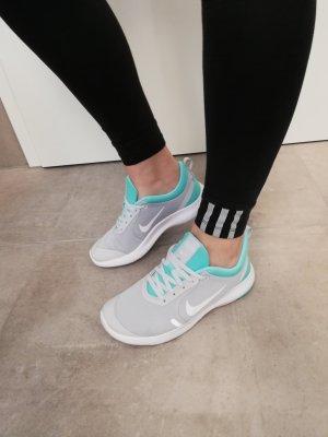 Nike Fitness Sneaker hellgrau neu 38