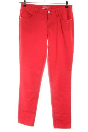 Nike Pantalón de cinco bolsillos rojo look casual