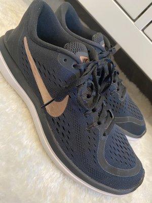 Nike Flex 2017 RUN