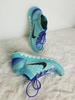 Nike Flyknit 3.0 Sneaker Schuhe gr.38 passt Größe 37