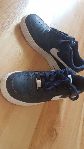 Nike Force 1 Schuhe in blau
