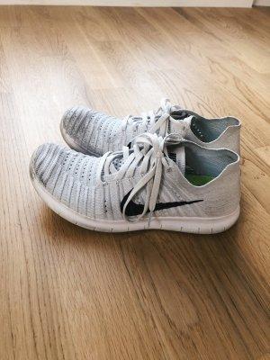Nike Free 5.0 Flyknit 39 weiß schwarz grau
