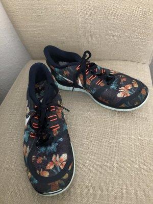 Nike Free 5.0 mit Blumenmuster in Gr. 40