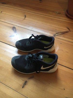 Nike Free 5.0 Schuhe in schwarz