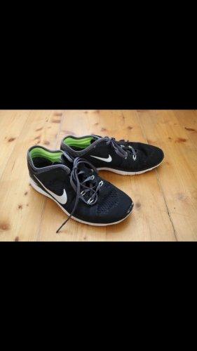 Nike Free 5 in schwarz
