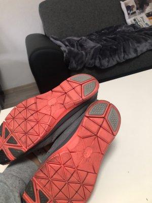 Nike Sneakers met veters grijs