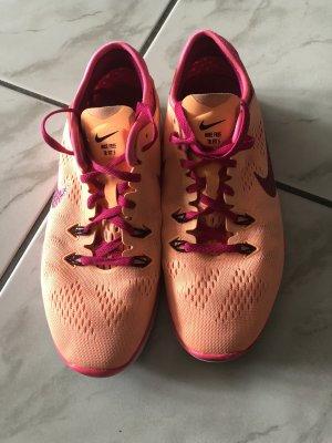 Nike Free Gr. 38,5