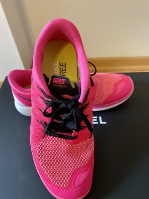 Nike Lace-Up Sneaker neon pink-pink