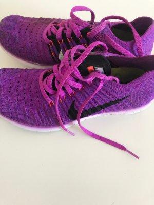 Nike Free RN Flyknit Damen Laufschuhe Gr. 37,5