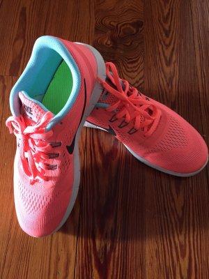 Nike Free RN Gr. 38,5