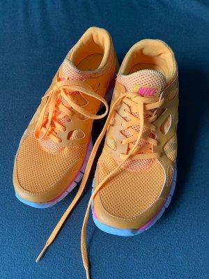 Nike Sneaker stringata arancione chiaro