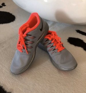Nike Free Turnschuhe Schuhe sneaker grau neu 38 38,5 Sport Mode