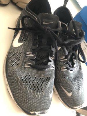 Nike Frees 5.0