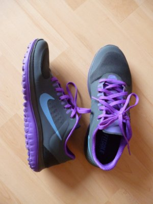 Nike FS LITE RUN in 39