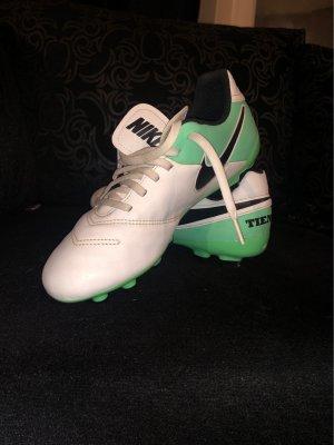 Nike Fussballschuh