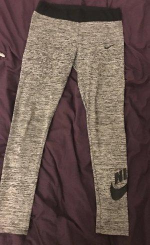 Nike grau Strumpfhose