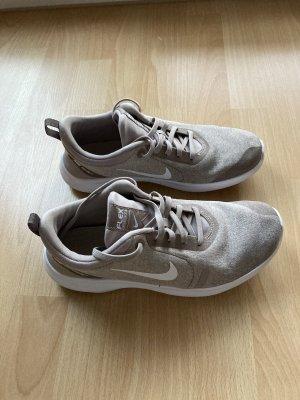 Nike, Größe 38