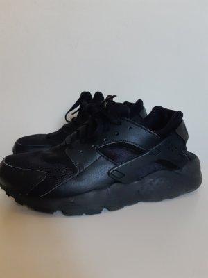 Nike H Schuhe