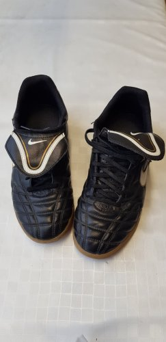 Nike Hallenschuhe Gr 41
