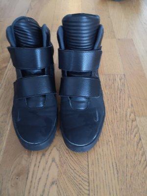 Nike Herrenschuhe schwarz 42 in sehr gutem Zustand