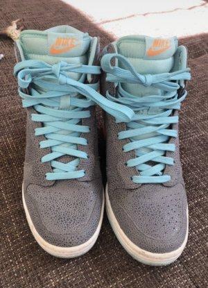 Nike High