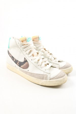Nike High Top Sneaker mehrfarbig sportlicher Stil