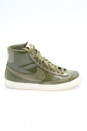 Nike High Top Sneaker khaki animal pattern casual look