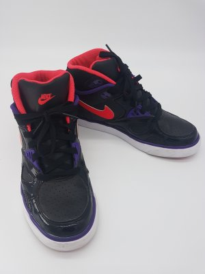 Nike High Top Sneaker