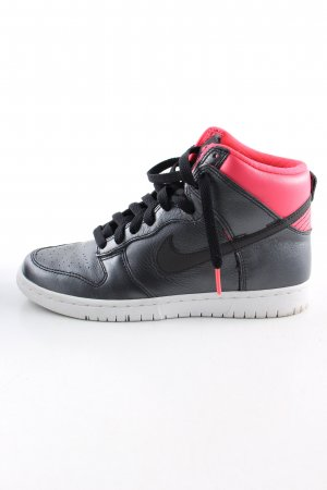 Nike High top sneaker zwart-rood casual uitstraling