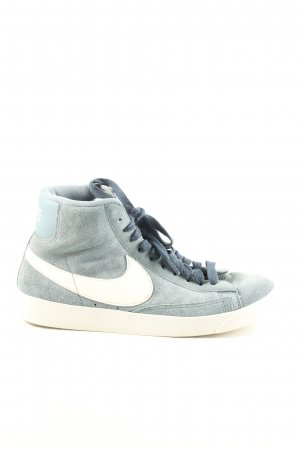 Nike Zapatillas altas azul look casual