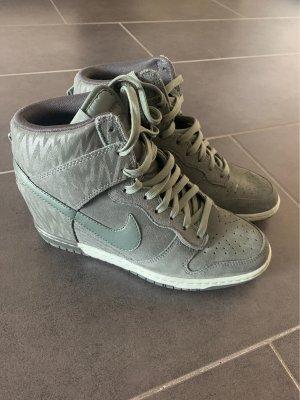 Nike High Top Sneaker *neu*