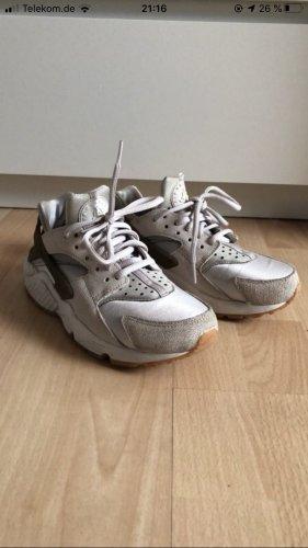 Nike Huarache 37.5 beige khaki