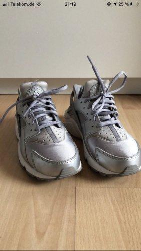 Nike Huarache 38 Silber grau