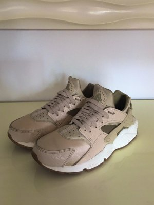 Nike Huarache Gr: 38,5